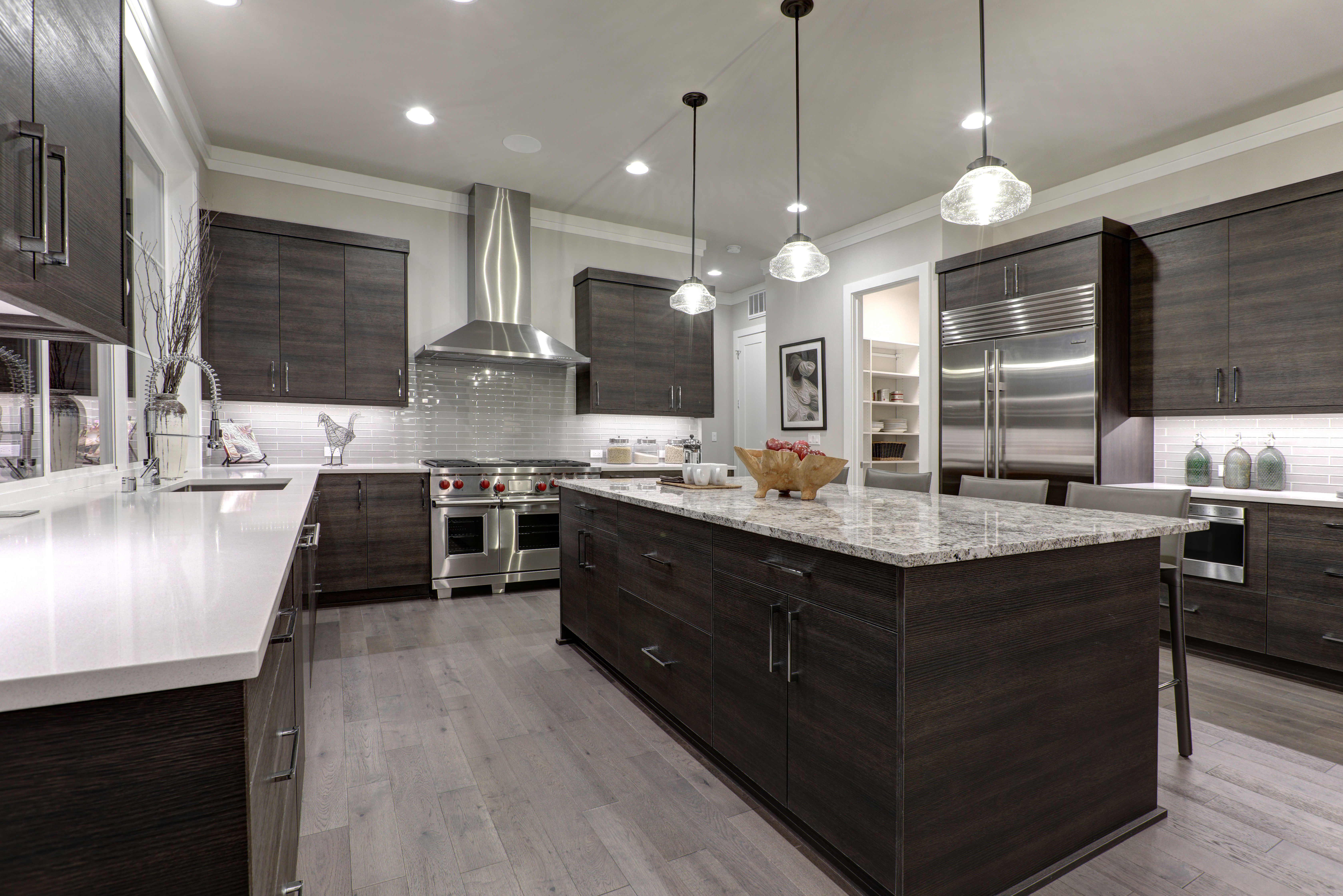 With so many kitchen cabinet styles, it can be hard to choose the right one for you. Our Phoenix, Arizona kitchen design consultants can help.